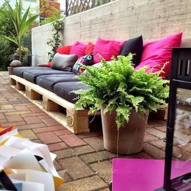 Coloeful Daybed