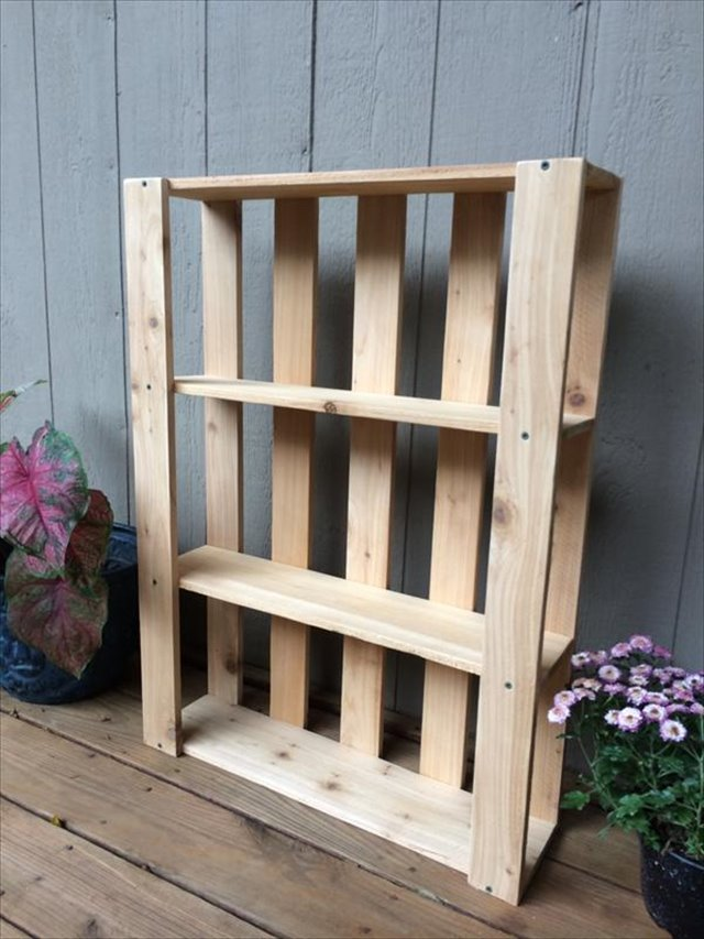10 diy wood pallet shelf ideas 1001 pallet ideas. Black Bedroom Furniture Sets. Home Design Ideas