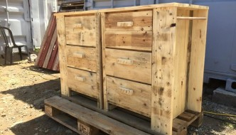 Reclaimed pallet three drawer unit for bathroom