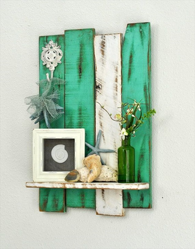 Pallet Wall Shelf 10 DIY Pallet Art