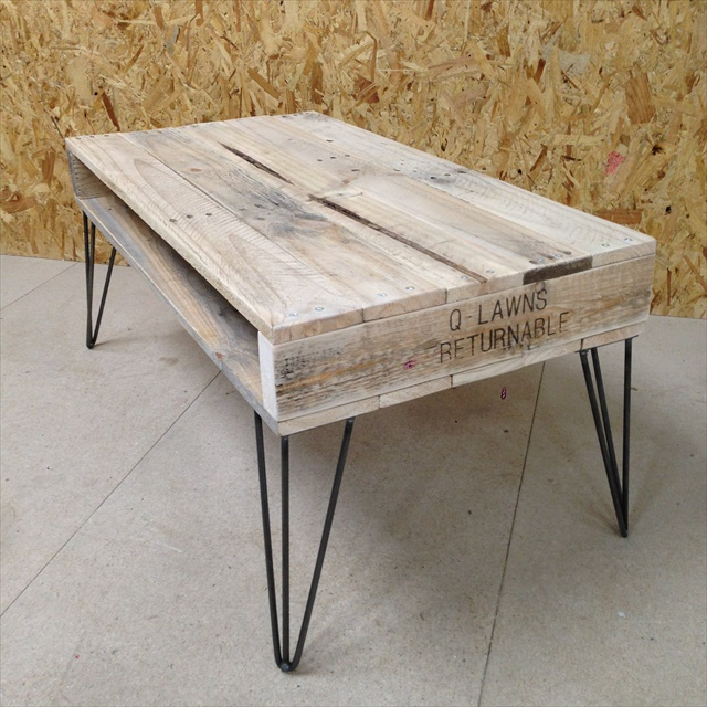 recycled-pallet-coffee-table