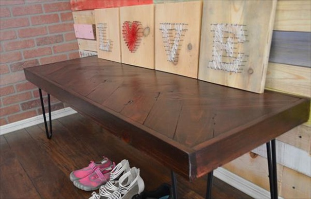 sturdy-chevron-choco-pallet-bench-with-metal-legs