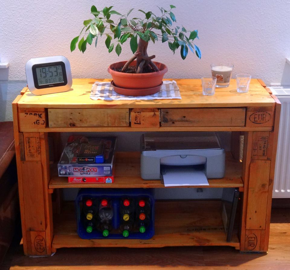 repurposed wooden pallet media console