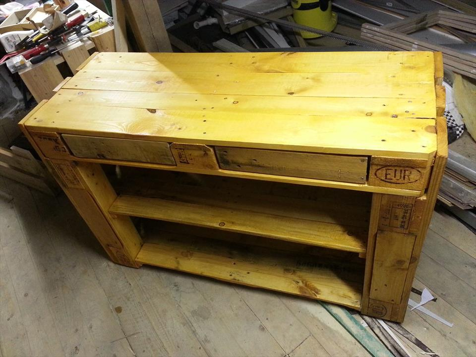 upcycled wooden pallet media console and side table