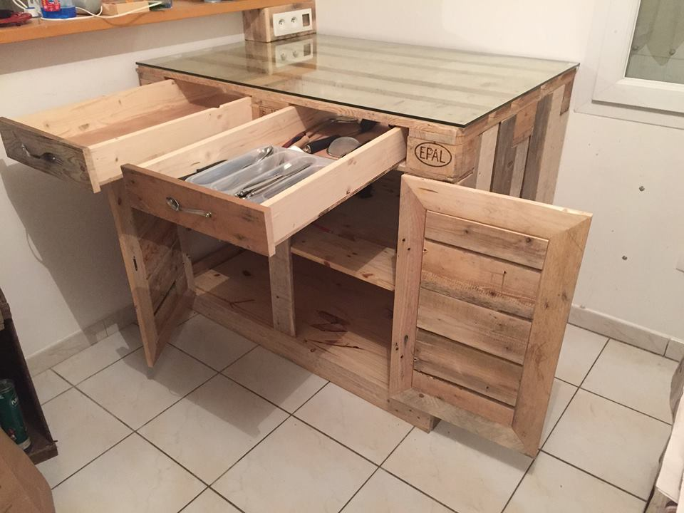Repurposed pallet kitchen cabinet