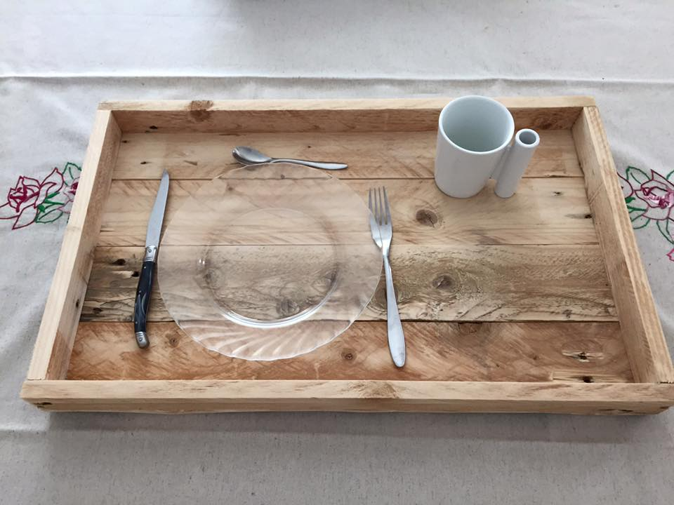 Repurposed pallet serving tray